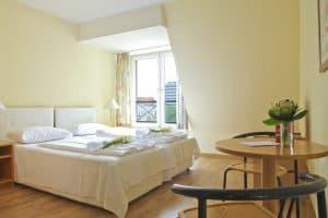 City Hotelschlafzimmer von Innen